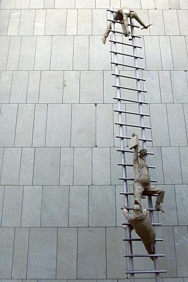 IBB-Fassade 2010 - Karriereleiter, wurde inzwischen demontiert