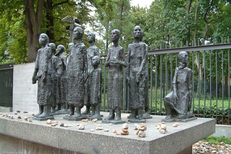 Gedenkstätte auf dem Gelände des ehemaligen jüdischen Altersheims 01