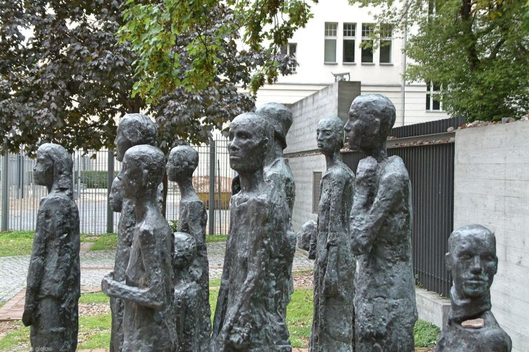Gedenkstätte auf dem Gelände des ehemaligen jüdischen Altersheims 02