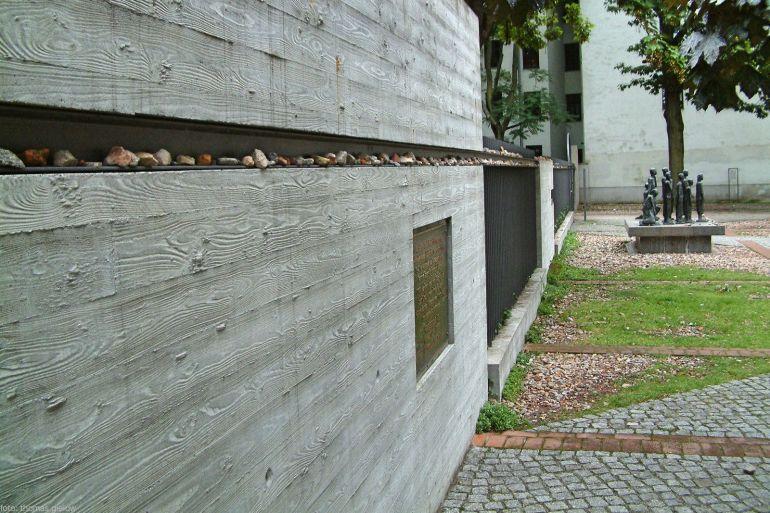 Gedenkstätte auf dem Gelände des ehemaligen jüdischen Altersheims 03
