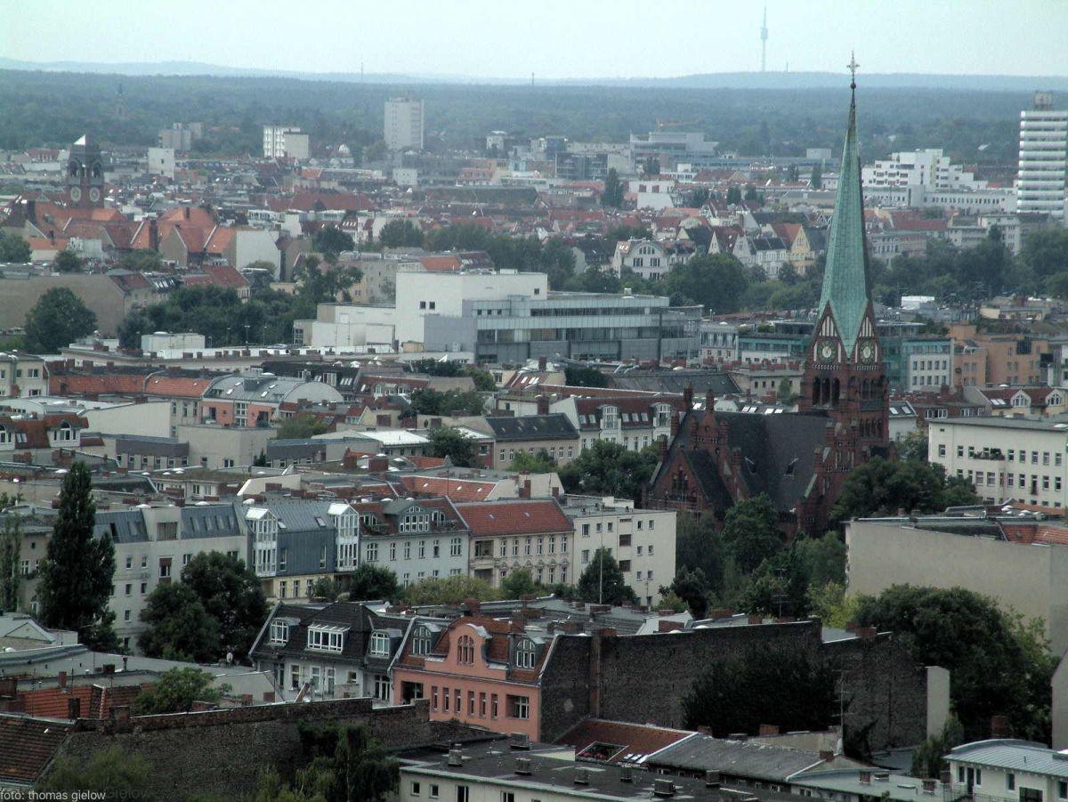 Karl-August-Platz, Trinitatiskirche