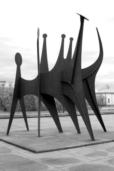 Têtes et Queue von Alexander Calder - Neue Nationalgalerie