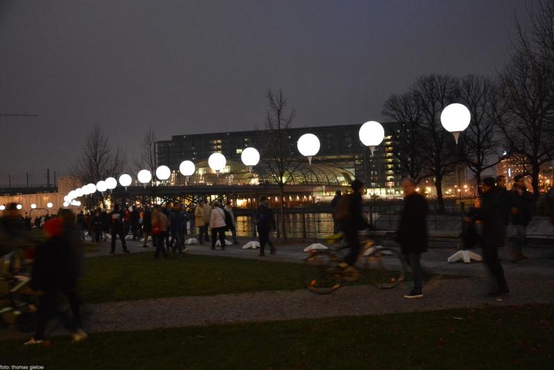 lichtgrenze-berlin-2014-32