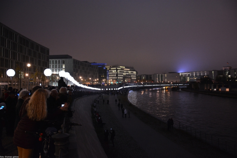 lichtgrenze-berlin-2014-39