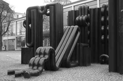 Röhrenelemente von Hans Nagel - Hardenbergstraße