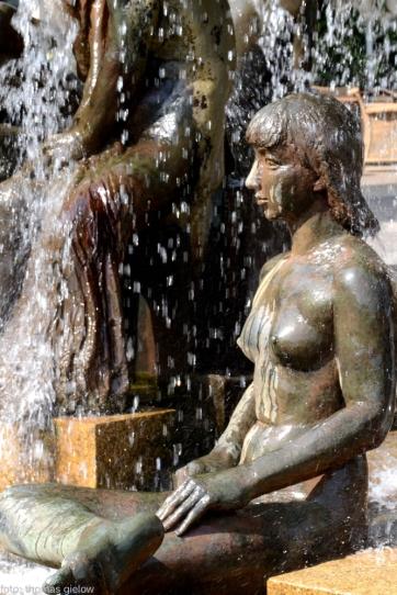 lebensalterbrunnen-wittenbergplatz-02