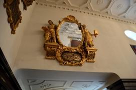 Spiegel im Festsaal