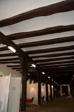 Stützbalken des Oberen Saals im Unteren Saal