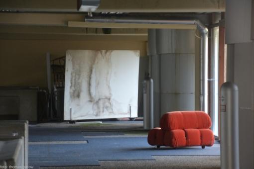 Eingangshalle - letztes original Sitzelement