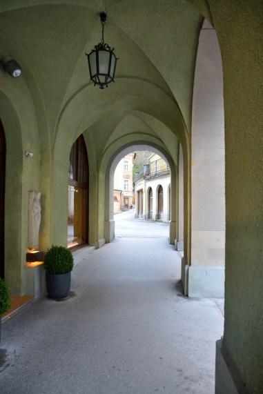 Arkaden mit Blick zum Straubinger Platz
