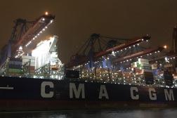 containerterminal bei nacht 03
