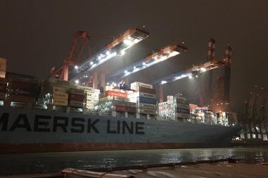 containerterminal bei nacht 09